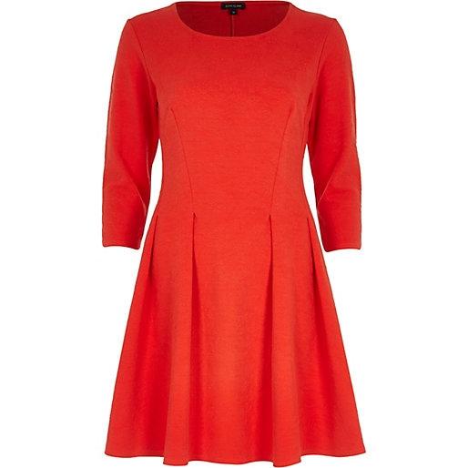 Оджи бордовое платье