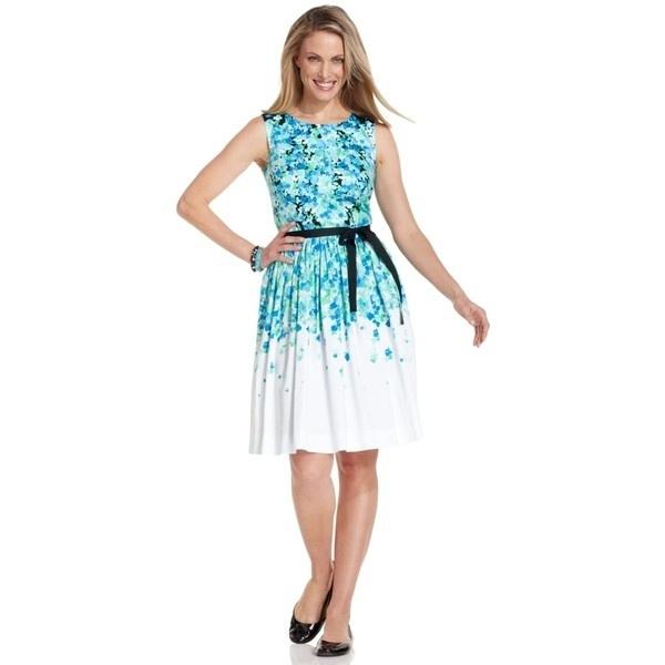 Яркое летние женское платье